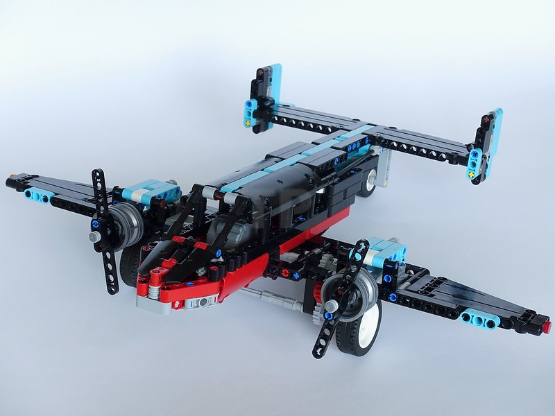 Lego Technic BLUE non Electric Pull Back Motor Axles and Connectors